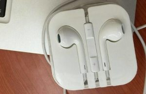 Gambar Headset Ori Iphone 5 S