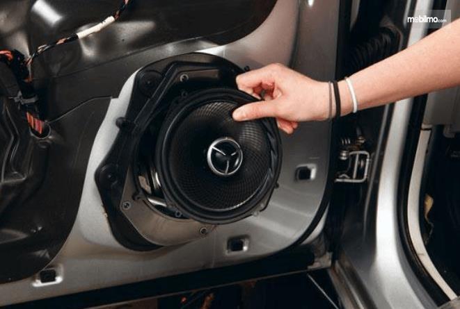 Gambar Pasang Speaker Mobil Tanpa Inverter