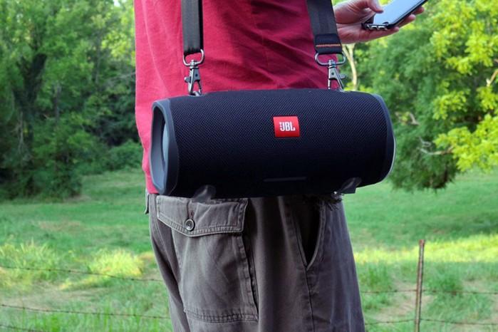 Gambar Speaker Bluetooth JBL Xtreme 2